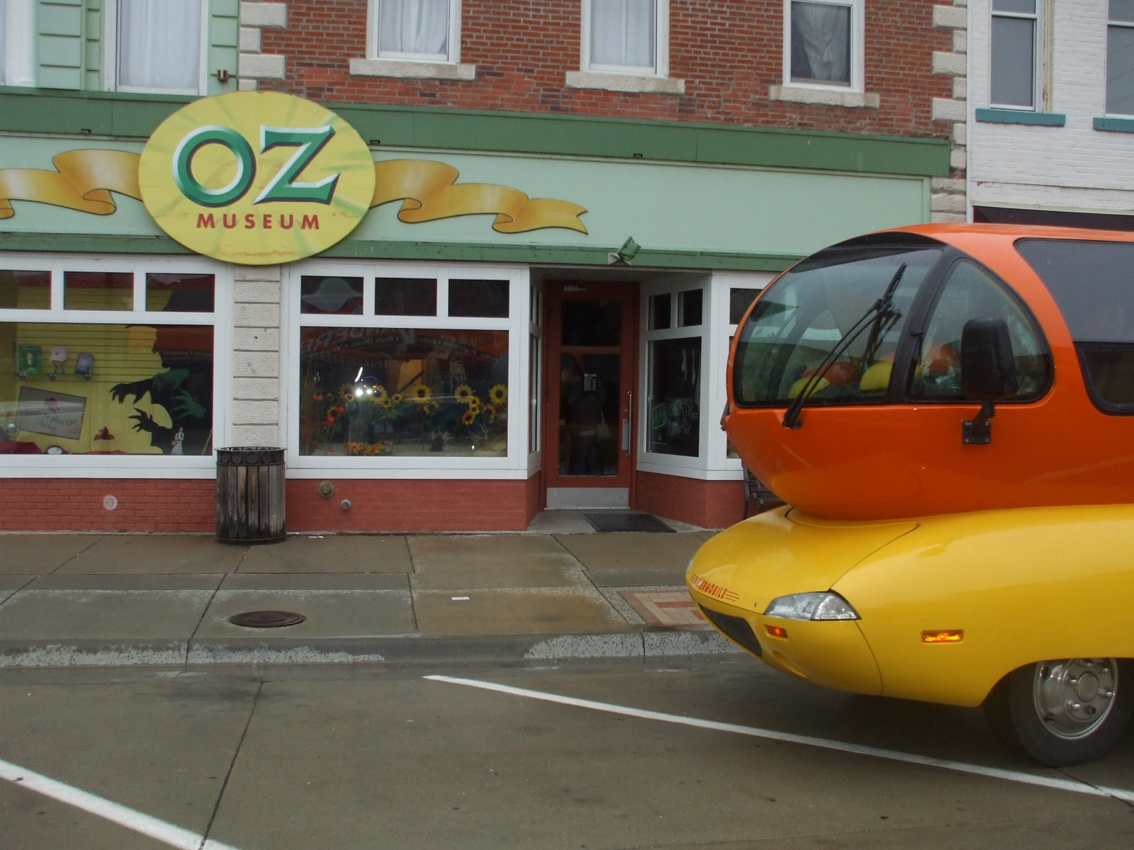 Live from the Wienermobile: Escape to Oz