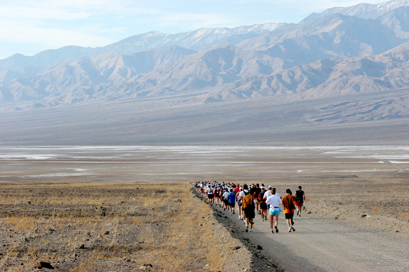 Running The Death Valley Marathon &#8211; A Race to the Finish