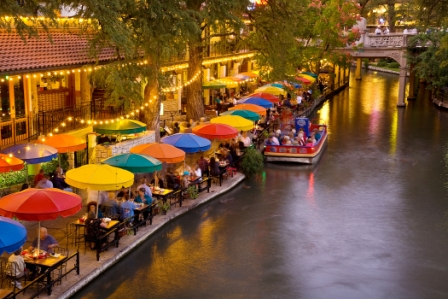 Lost in San Antonio: Best Places to Get Kissed