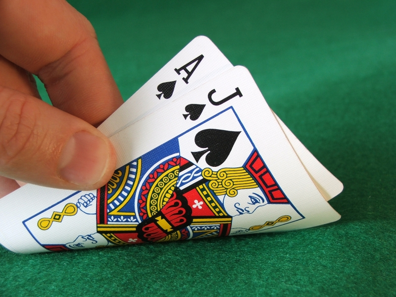 A Girls&#8217; Guide to Vacation Gambling: 3 Ways to Play it Smart at Bahamas Casinos