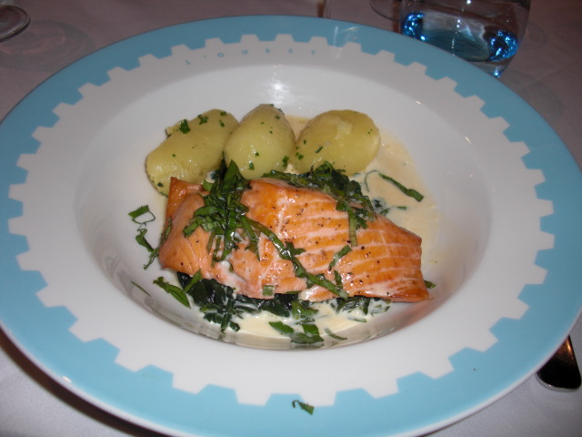 How to Eat Like a Local in France: 7 Tips for Restaurant Meals