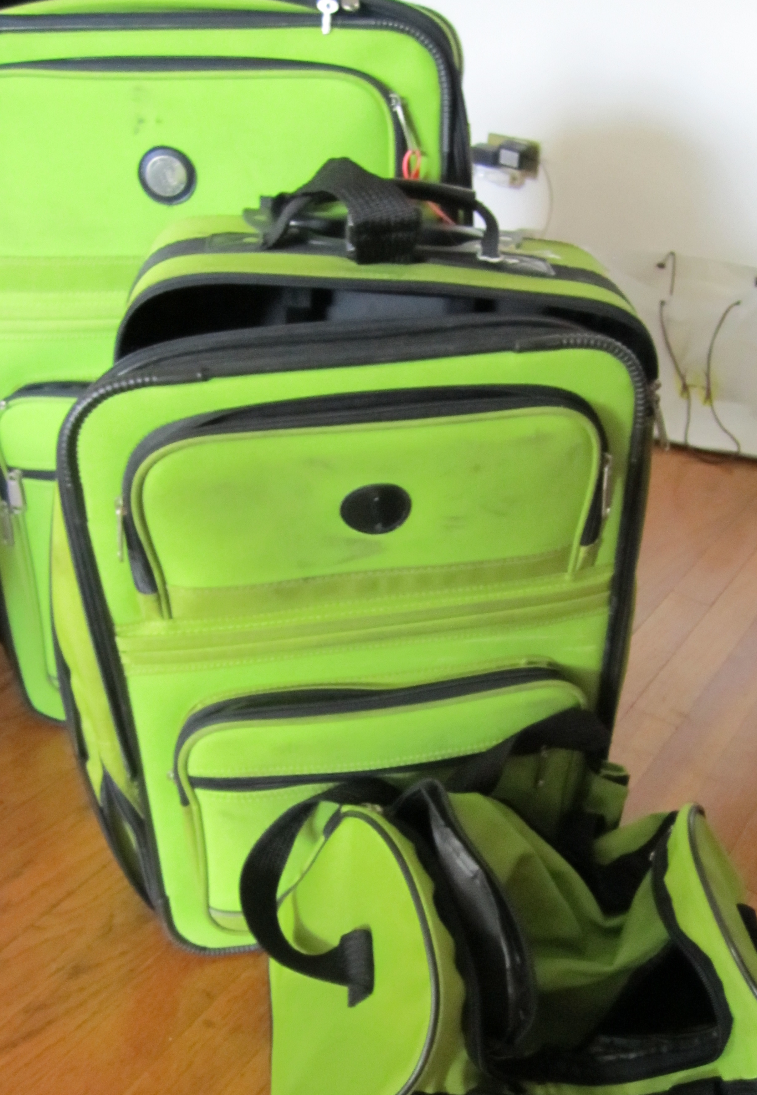 6 Ways to Avoid and Deal with Lost Luggage