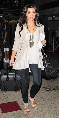 Fashion in Flight: 4 Ways to Travel Comfortable, yet Chic