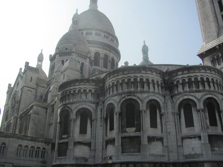 Paris&#8217; Hilltop Haven: Montmartre