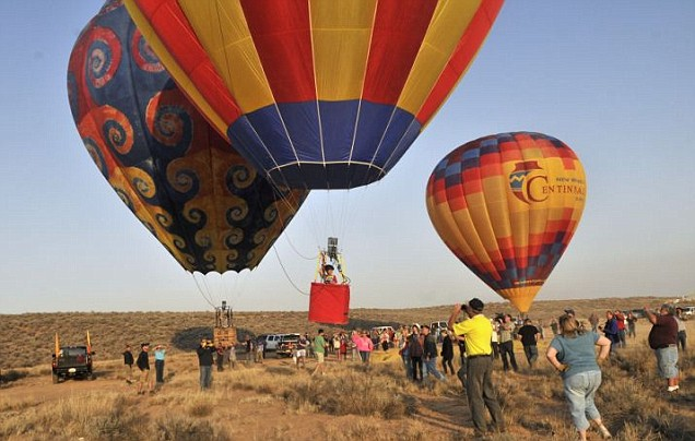 The LG Travel News Roundup: It's Up, Up and Away for the Youngest Hot Air Balloon Pilot