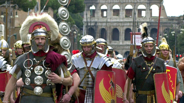 The LG Travel News Roundup: Roman Police Go Undercover as Gladiators