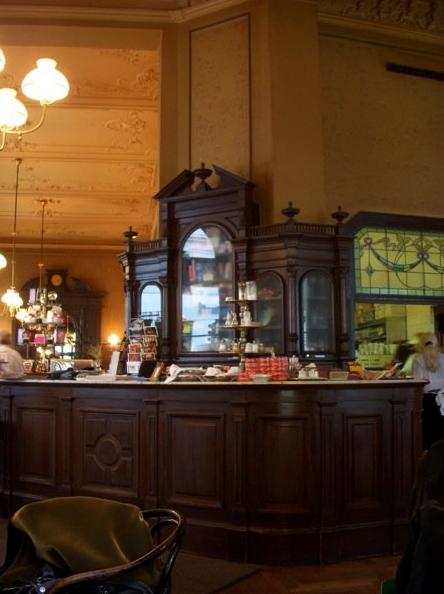 Exploring Vienna's Kaffehaus Culture